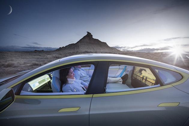 Rinspeed-XchangE-Driverless-Tesla-Model-S-3_mini